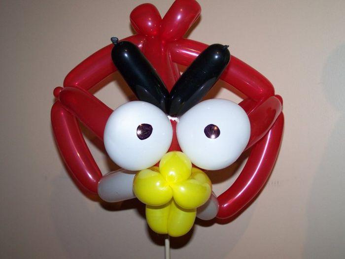 Красная Птица из воздушных шариков