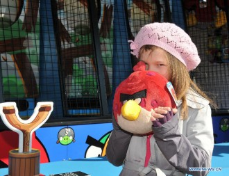 Маленькая гостья Angry Birds Land